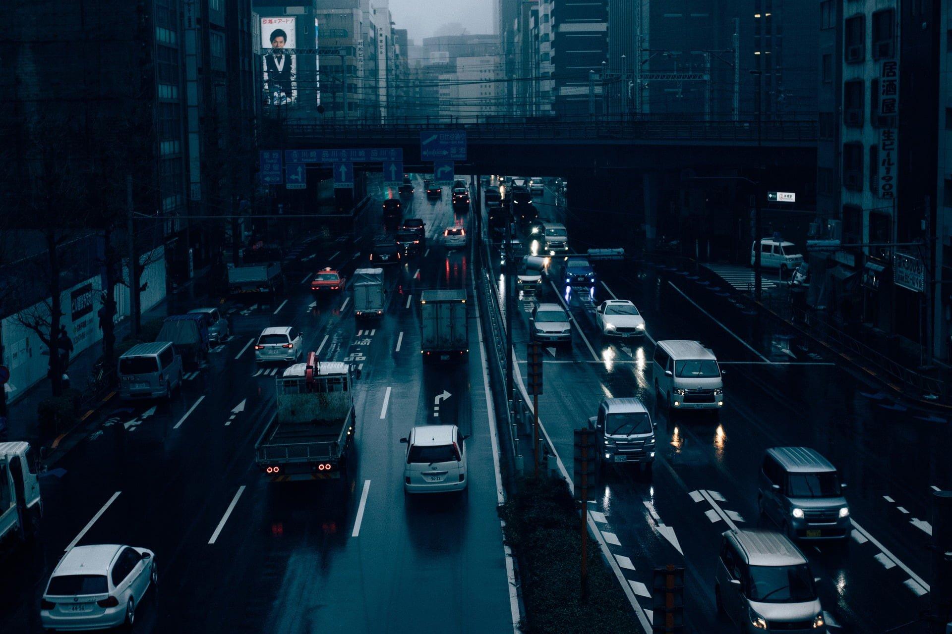 Internacional: Japão quer proibir venda de carros a gasolina ou diesel, diz jornal