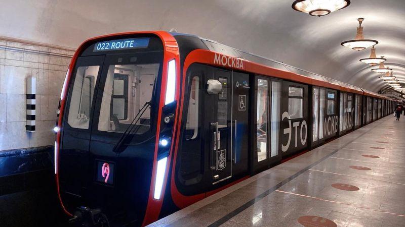 Moscou derruba proibição de décadas, e mulheres começam a dirigir trens do metrô