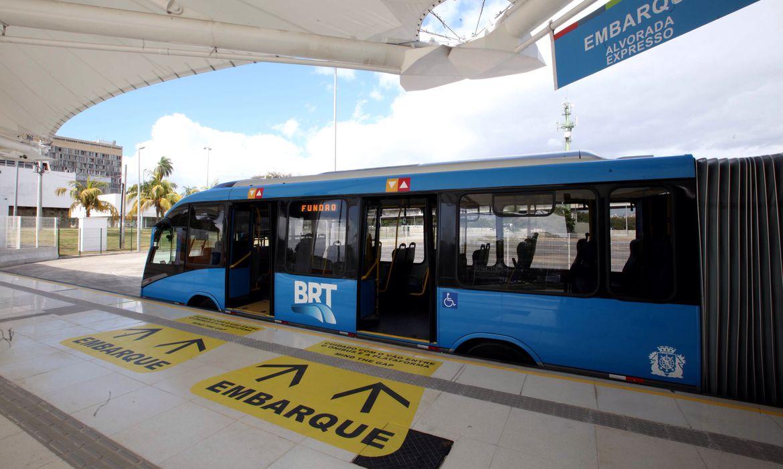 Prefeitura do Rio intervém no sistema BRT e anuncia nova licitação