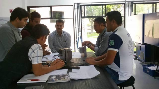 Universidad de Celaya fomenta la capacitación de profesionistas, empresas e instituciones.