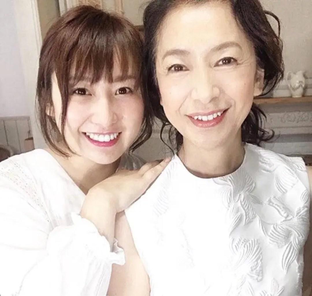 高橋恵子と秋山佑奈の画像