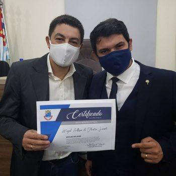 Coordenador de Comunicação Social do UNIFATEA, Miguel Júnior, é homenageado pela Câmara Municipal de Cruzeiro