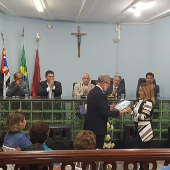Professor do UNIFATEA recebe prêmio Paulo Freire