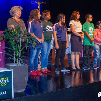 APAE, CEMARI, Clínica Escola Estética e Clínica Saúde recebem doações na Missa Salesiana Solidária