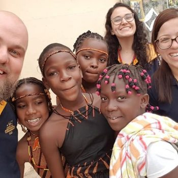 Fazer o bem faz muito bem – voluntários do Projeto Educadores sem Fronteiras chegam em Angola