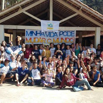 Alunos voluntários participam de Acampamento VIDES