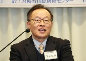 挨拶する笹田俊明「1800家庭会」会長