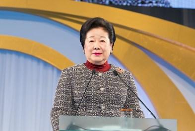 講演する韓鶴子総裁 世界平和統一家庭連合News Online