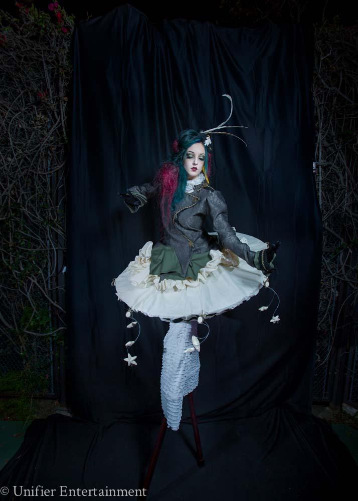Cirque Girl Stilt Walker