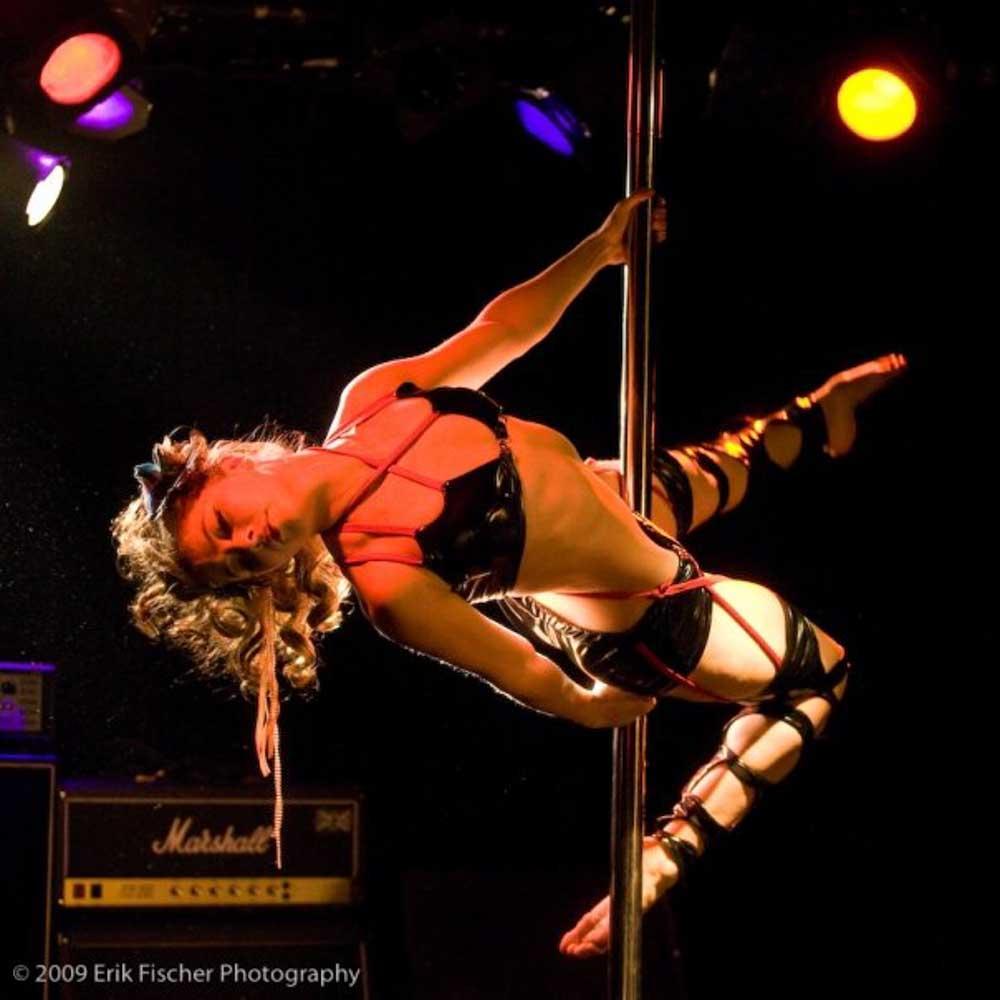 Sexy-Pole-Dancer-Los-Angeles
