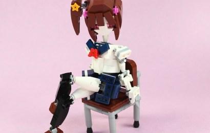 一起來看看樂高大師自創的樂高制服少女吧