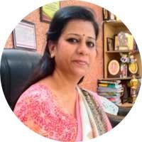 Dr-Rani-Menon-Of-Coord-Diagnostics-Praising-Uniform-Sarees