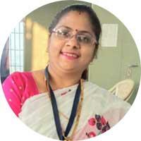 Seema-Jain-PMJ-Jewellers-Praising-Uniform-Sarees-Corp