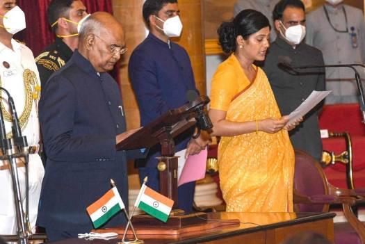 Anupriya-Patel-Uniform-Sarees-Blog-3