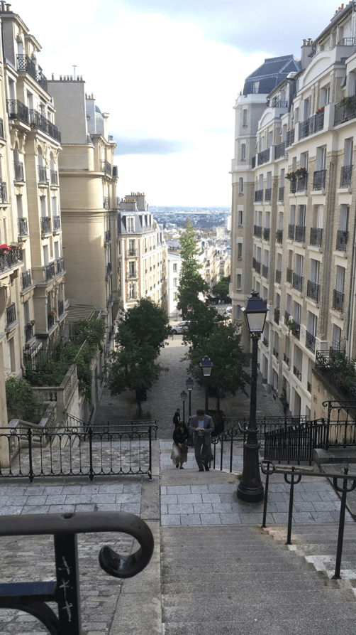 , A Unifresher Guide To Paris for Students