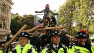 extinction rebellion London, Everything you need to know about Extinction Rebellion