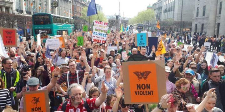 hundreds-attend-climate-change-demonstration-in-dublin.jpg