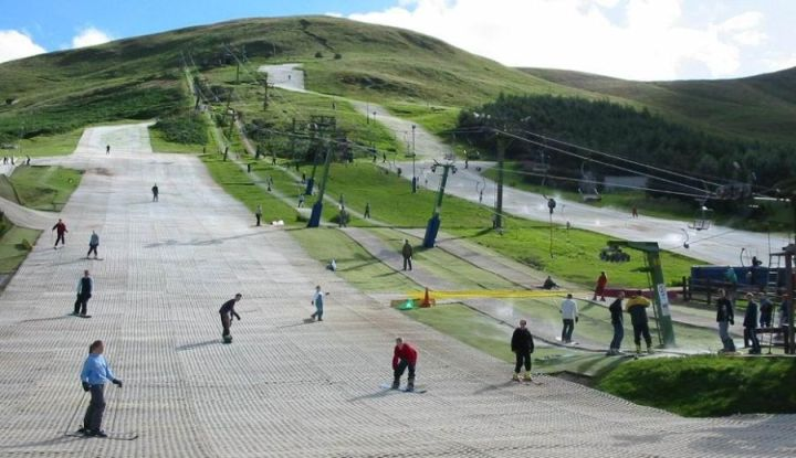 Hillend_Ski_Slope_3