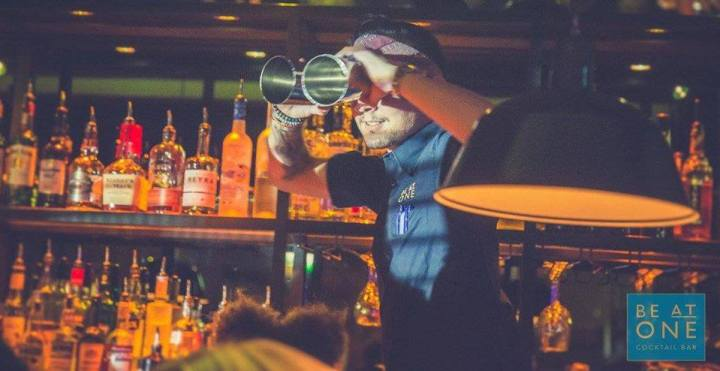 Be At One 2-4-1 cocktails bath