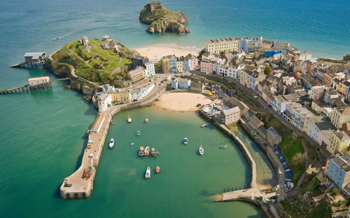 cheap staycation in tenby