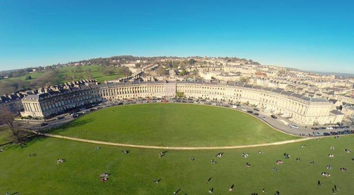 best things to do in Bath for students - Royal Crescent