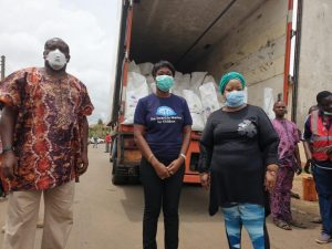 Oyakhilome Foundation supports Lagos Govt with food items