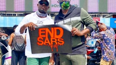 Sammie Okposo Leads Worship & Declarations At #EndSars Protest Ground