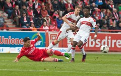 Kreilach fights for the ball