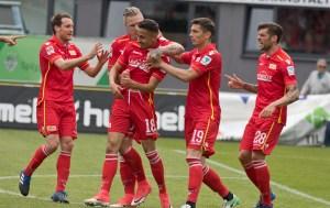 Celebrating Redondo's goal