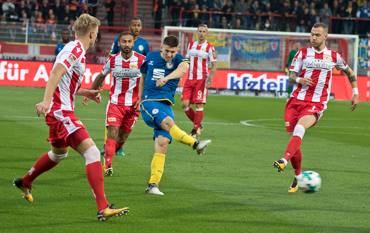 Braunschweig with the first shot on goal