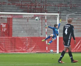 Kreilach's free-kick ends up in the back of the net
