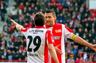 Mattuschka and Parensen debate the scoreless match