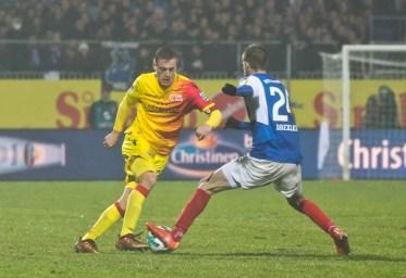 Felix Kroos making a move