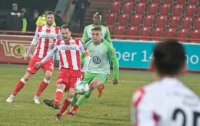 Fürstner shoots it out of danger