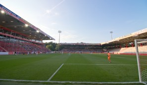 1,512 spectators total