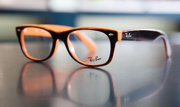 d5b309fd351 Kuvariga tööks ettenähtud prillid või muud nägemisteravust korrigeerivad  abivahendid