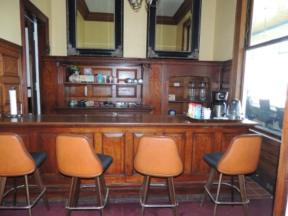 Bar at the UnionClub where Tacoma Creatives go to get work done
