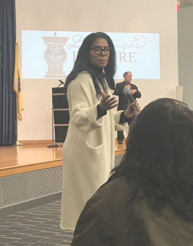 'Scandal' inspiration Judy Smith regales Kean audience