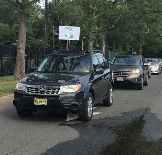 Kean students, alumni and faculty hold rally and car caravan