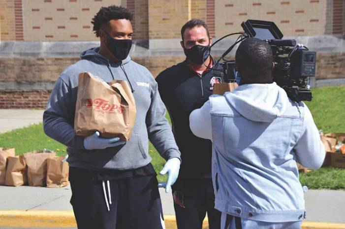 NFL star returns in great faith and feeds hometown of Rahway