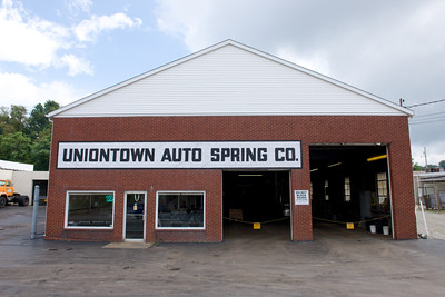 Uniontown Auto Spring has big bays, Uniontown Auto Spring, Light and Heavy Duty Suspension, Unit4media, Uniontown, Automotive, West Virginia, Heavy Duty Truck Repair