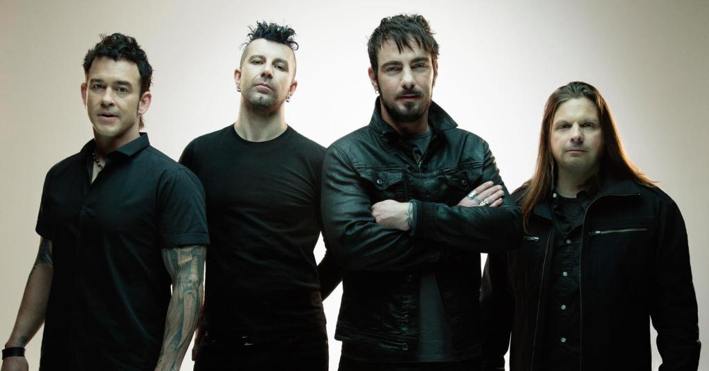 Nový začiatok s novou kapelou Saint Asonia (Foto: riffyou.com)