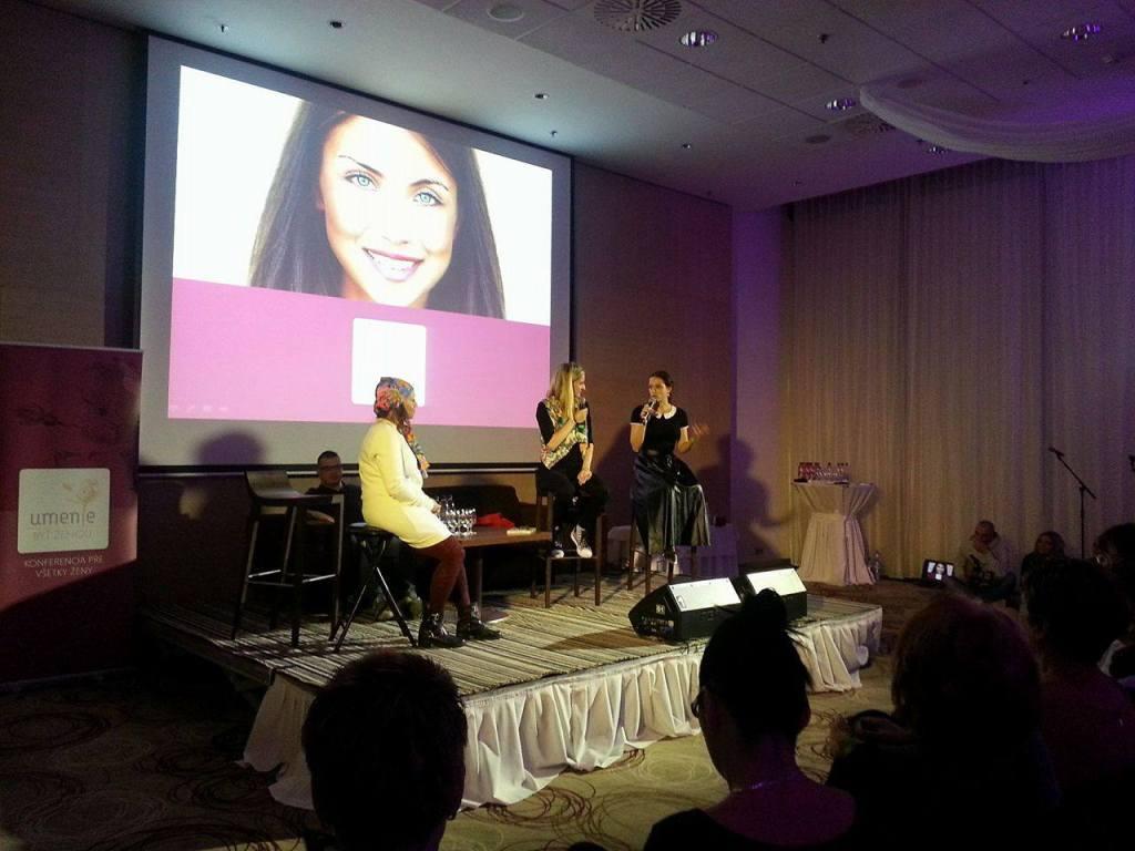 Adela Banášová vyspovedala speváčku Tinu a herečku Gabrielu Marcinkovú. Foto: Dominika Sedláková UNIPOPRESS