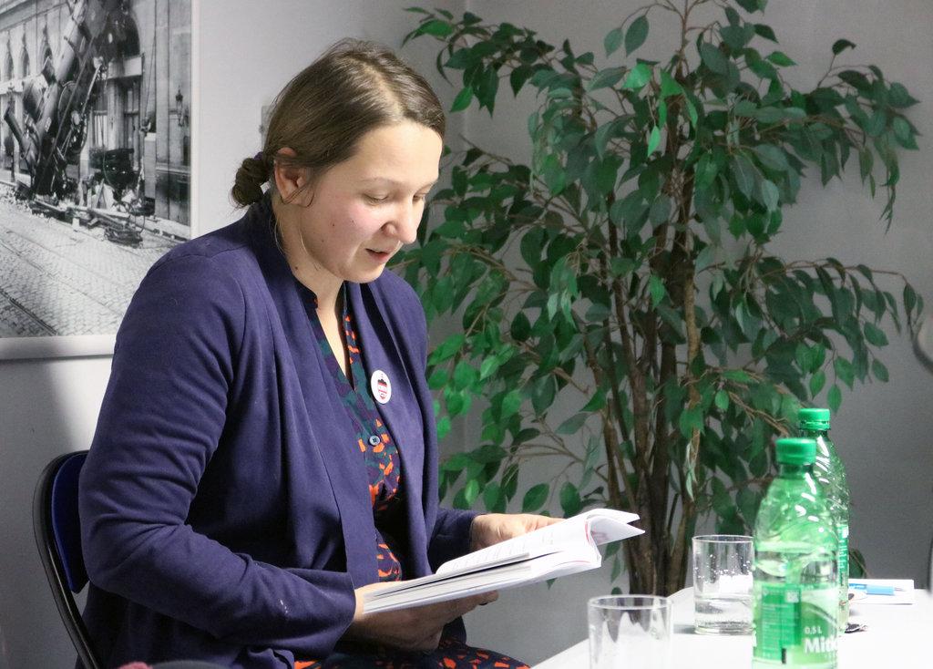 Michaela Zakuťanská prečítala úryvok zo svojej úspešnej tragikomédie (Foto: Patrik Čigáš)