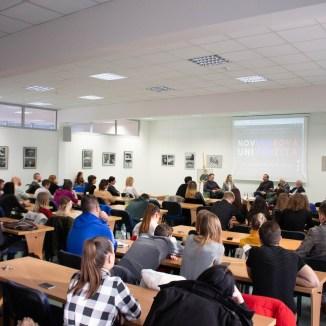 Besedy sa zúčastnilo množstvo študentov. (Foto: Ivanka Prikhodko)