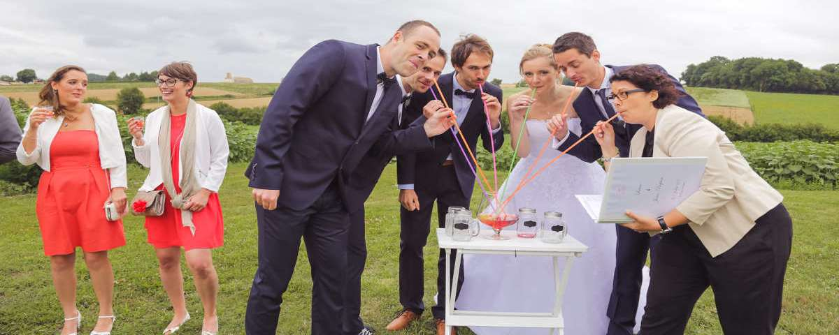 A sparkling idea for your symbolic wedding ceremony: The cocktail ritual