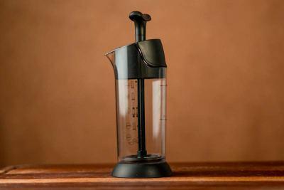 Equipamento para fazer drinks deliciosos com leite e café