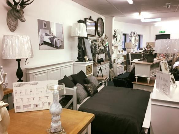 showroom-8 (1)