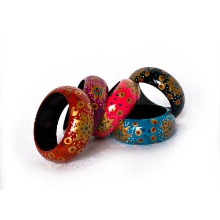 Handpainted wooden bangle, heart design - artnomore.co.uk
