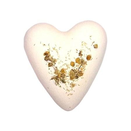 Megafizz Bath Heart - Chamonille and Honey bath bomb with Chamonille Flowers - artnomore.co.uk